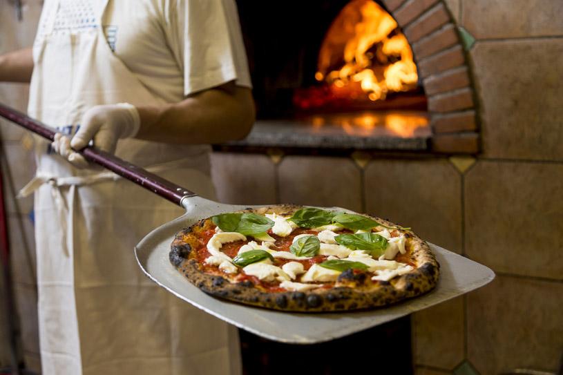 Stramargherita pizza