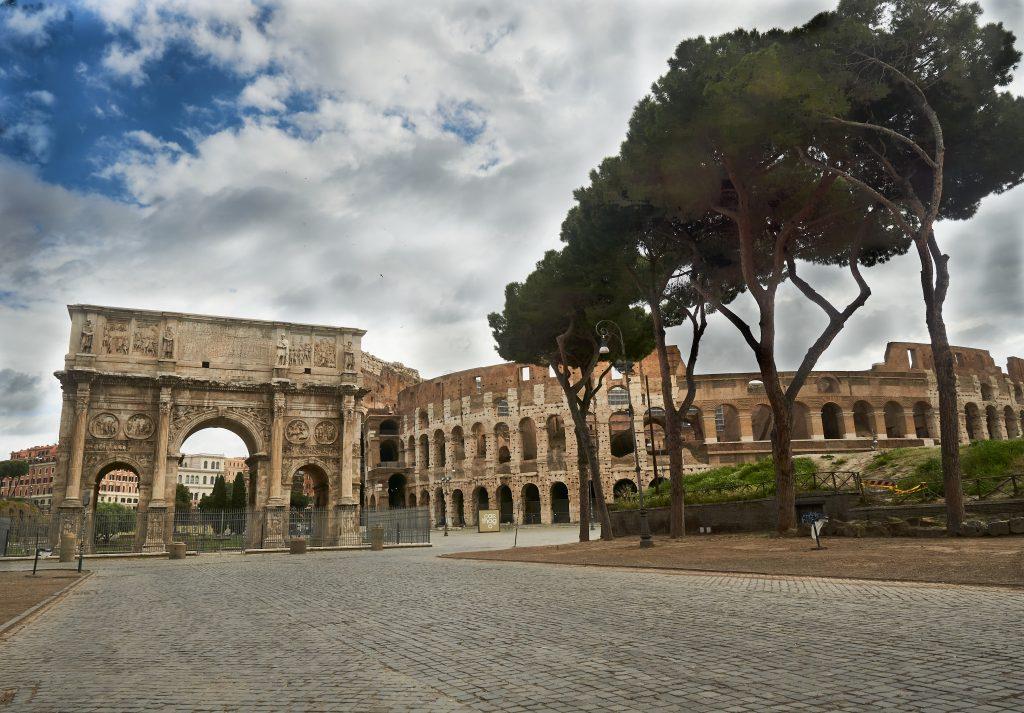 Rooma ilman turisteja: Konstantinuksen riemukaari ja Colosseum
